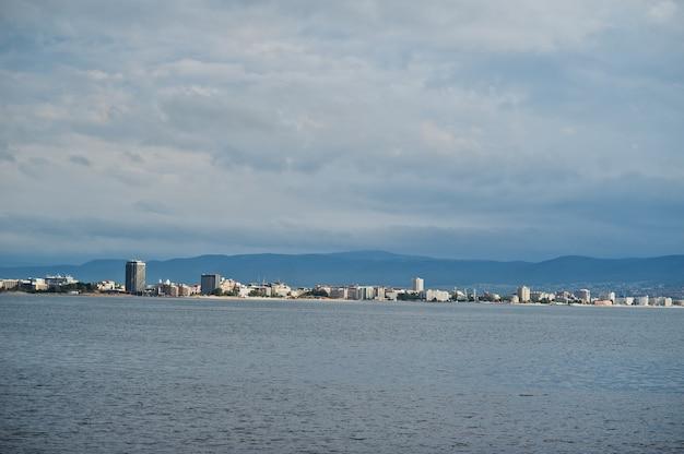 ブルガリアのサニービーチと黒海の眺め。