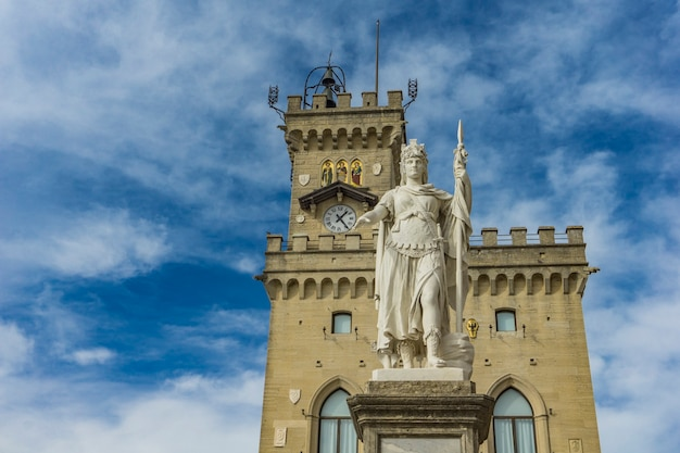 View at statue of liberty in front of public palace in san marino