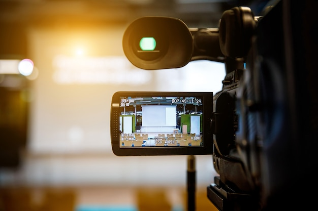 Viewfinder and camera screen in a studio.