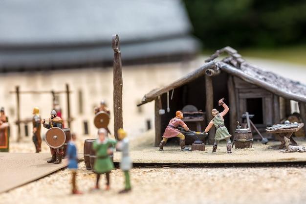 バイキング集落ミニチュア、人々fugurines