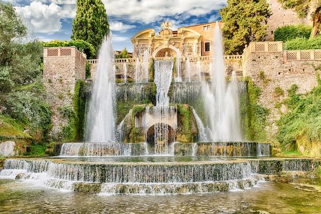 ネプチューンの噴水、villa d'este、チボリ、イタリア