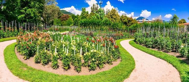 美しい庭園のあるヴィラタラント。イタリア北部、マッジョーレ湖の有名な場所