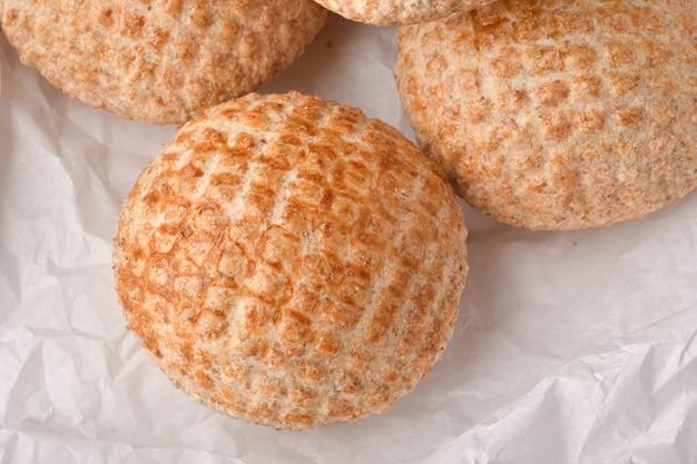 Деревенский хлеб круглый хлеб хлебная витрина хлебопекарня