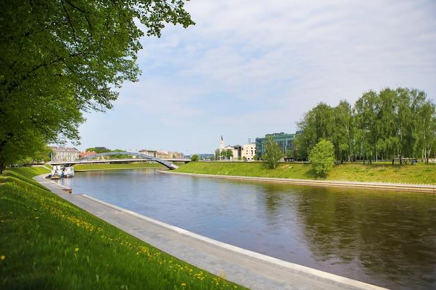 ビリニュス-リトアニア、川の美しい景色