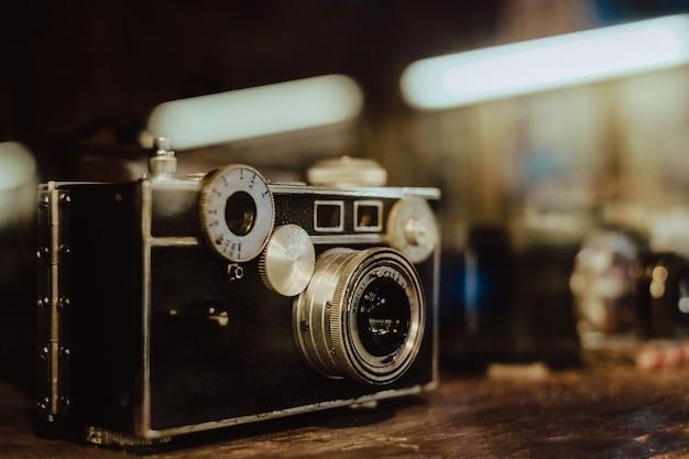 Винтаж и старый пленочный фотоаппарат