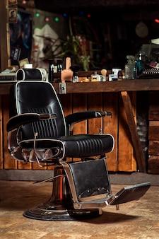ヴィンテージ理髪店の椅子