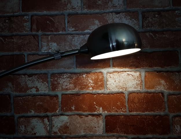 빈티지 벽돌 벽과 레이 빛 빈티지 램프