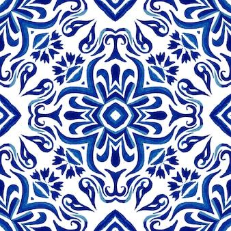 Винтаж дамасской бесшовные орнаментальные акварельные арабески краска шаблон дизайна плитки для ткани