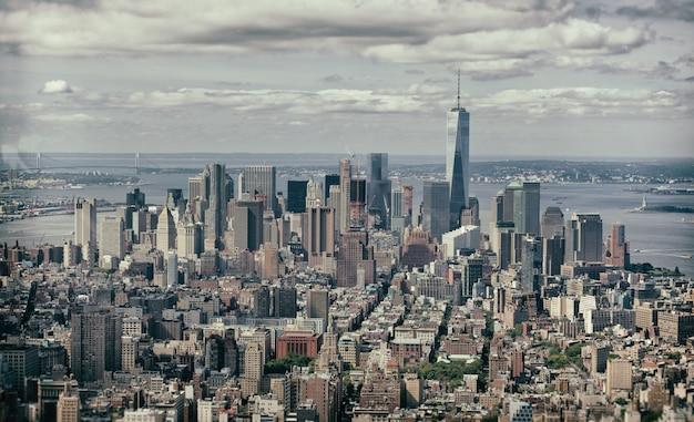 Vintage effect of manhattan, new york city.
