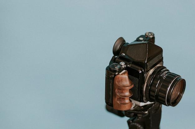 Винтаж пленочная камера на штативе