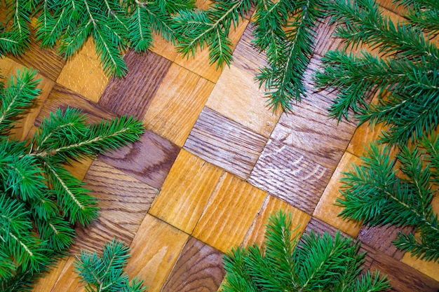 Винтажная рамка с рождественскими еловыми ветками