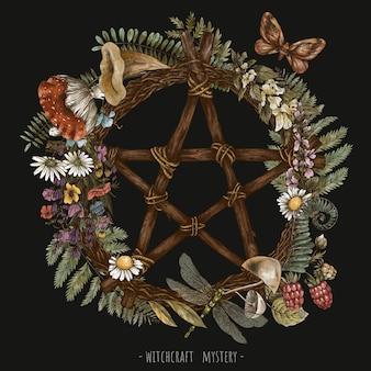 ヴィンテージグリーンウィッチフローラルリース。ブランチオカルト五芒星魔術植物画。森の宝物、キノコ、シダ、黒の背景に分離されたテングタケ属。
