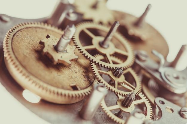 ヴィンテージの機械式時計のメカニズム、クローズアップギア