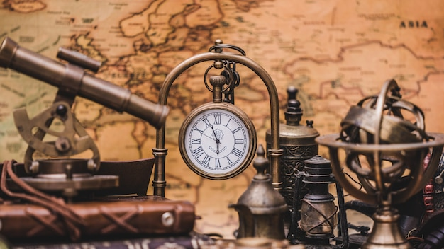 Vintage mobile clock