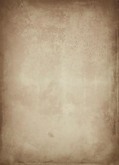 Винтажный старый чистый лист бумаги с пятнами и полосами с пространством для текста и копией пространства