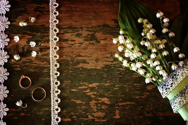 ヴィンテージ写真スズランとリングのウェディングブーケ