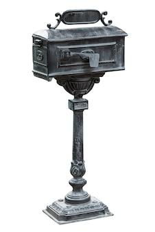 Старинный постоянный почтовый ящик, изолированные на белом фоне с обтравочным контуром