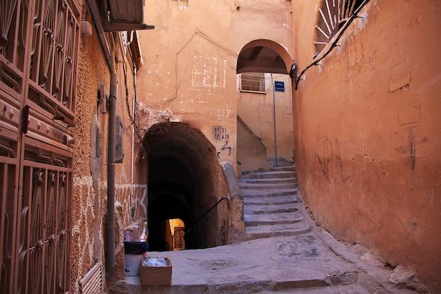 Vintage street in el atteuf city, sahara desert, algeria