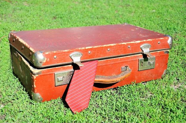 Винтажный чемодан