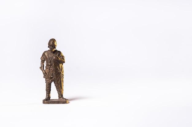빈티지 장난감 갈색 군인 기사 절연