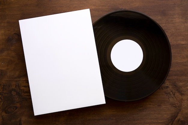 Винтажный виниловый и бумажный макет