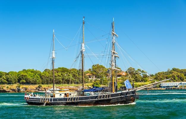 Винтаж винджаммер в сиднейской гавани - австралия, новый южный уэльс