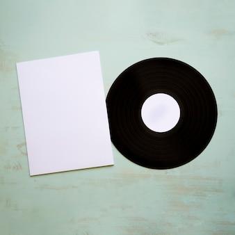 Виниловый и бумажный макет
