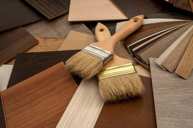 Виниловые полы с щетками для ремонта дома, крупным планом