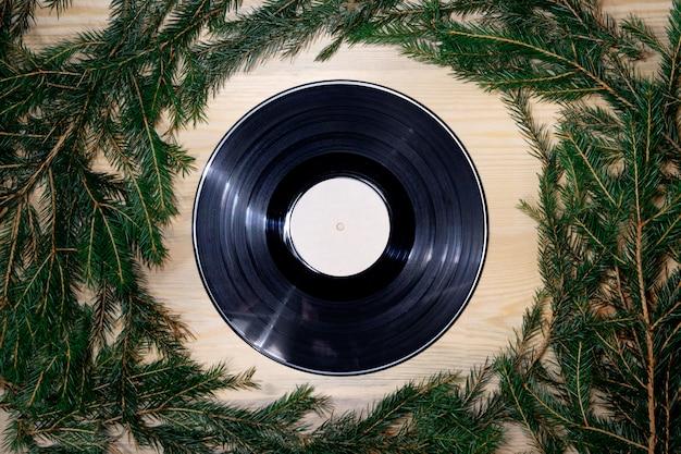 Виниловая граммофонная пластинка в новогоднем стиле