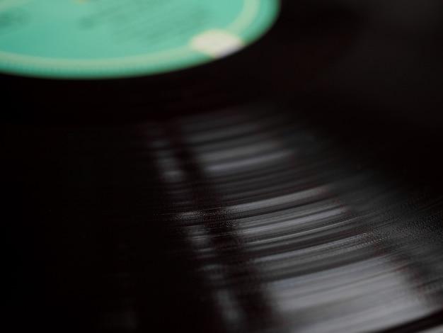 Messa a fuoco selettiva dello sfondo del disco in vinile