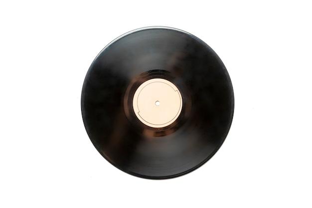 흰색 표면 b에 레이블이 분리된 비닐 레코드 디스크