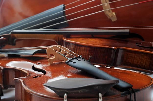 바이올린과 첼로 프리미엄 사진