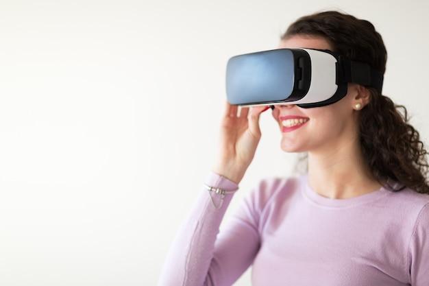Очки виртуальной реальности, дающие потрясающий игровой опыт