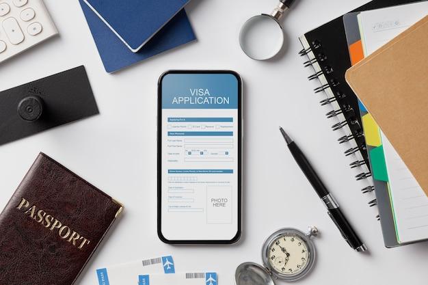 Modulo di richiesta del visto su smartphone
