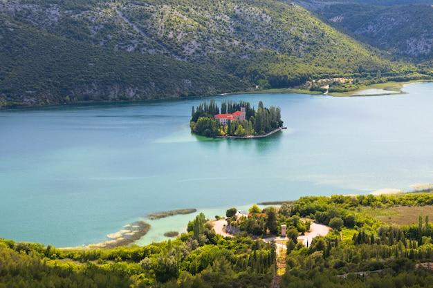 クルカ国立公園、クロアチアのvisovac修道院