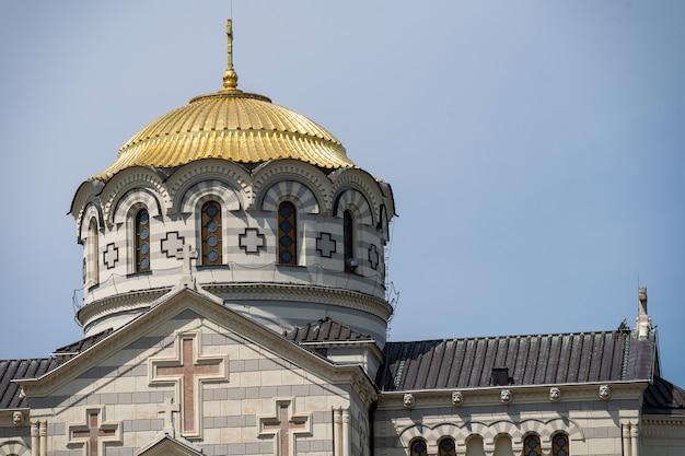 Владимирский собор крупным планом православная церковь в россии взгляд