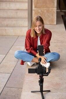 旅行中のvloggerストリーミング