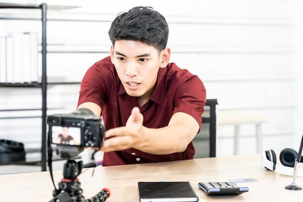 Vloggerブロガーがライブカメラを設定