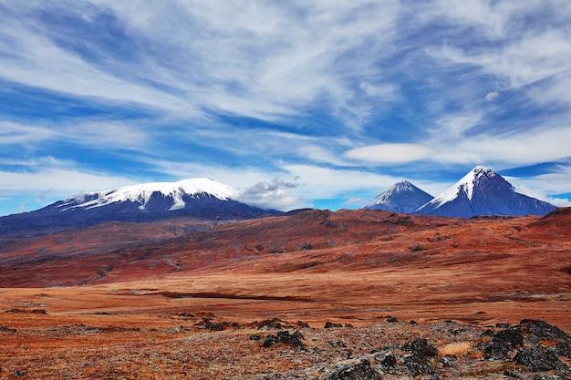 Вулкан камчатской долины снежных вершин