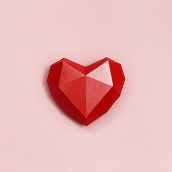 체적 종이 심장 빨간색. 프리미엄 사진
