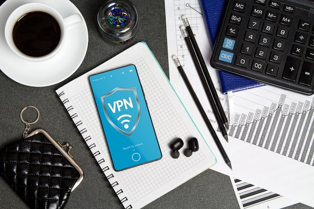 Vpn на сенсорном экране телефон и беспроводные наушники, плоская планировка