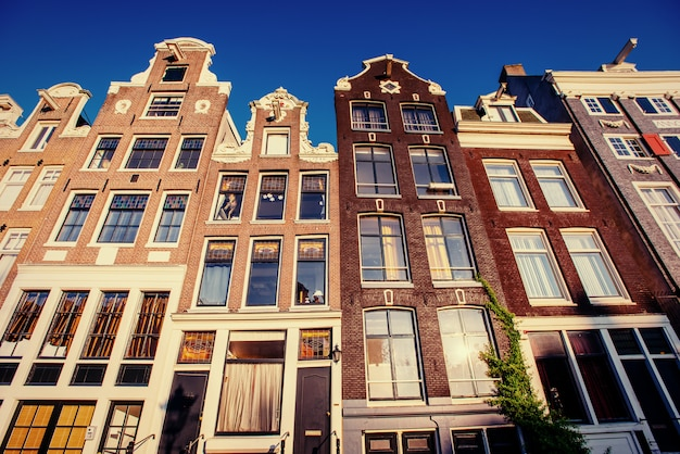 アムステルダム-オランダ。アムストの歴史的中心部にあるvulytsya