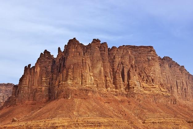 Wadi disah、alshaq峡谷サウジアラビア