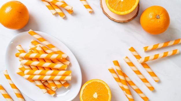 Вафельный рулет со вкусом апельсина и сливок