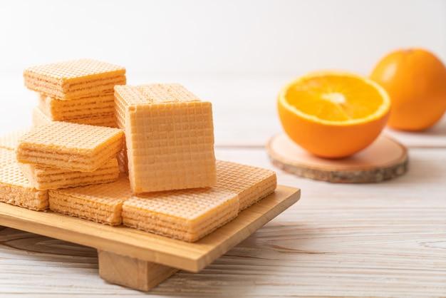 Вафля с апельсиновым кремом
