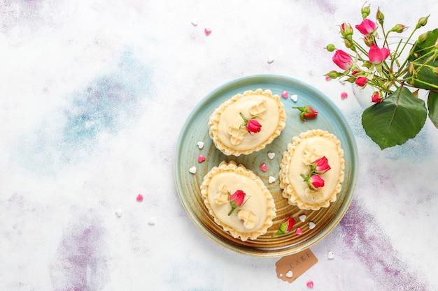 수제 맛있는 크림과 함께 와플 쿠키.