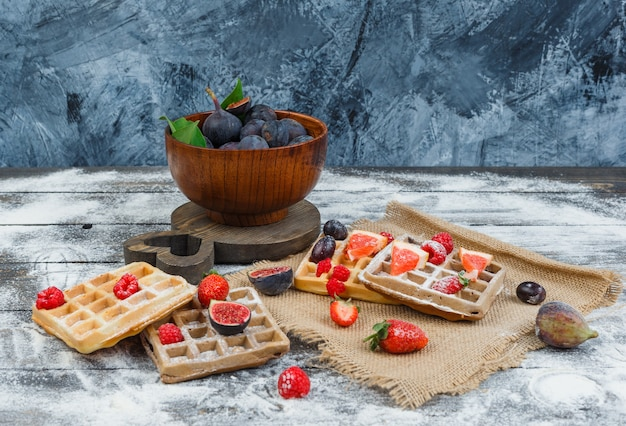 Waffle with figs and strawberries