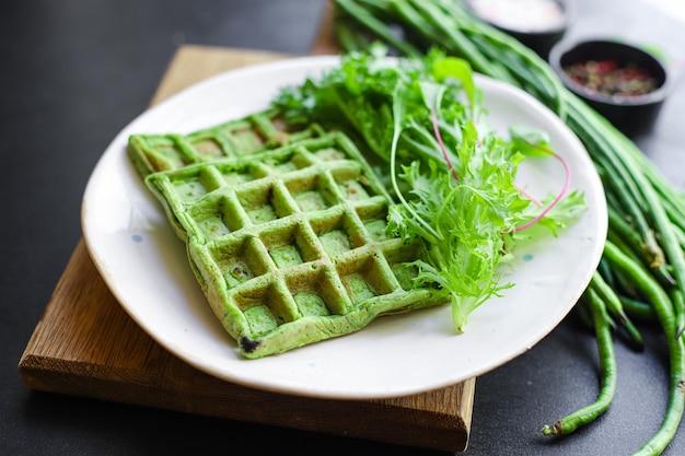 Вафли зеленый шпинат, стручковая фасоль, овощи