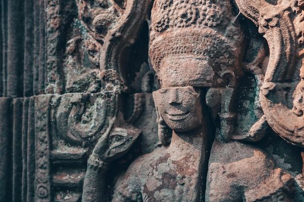 Стена в ангкор-ват - индуистский храмовый комплекс в камбодже