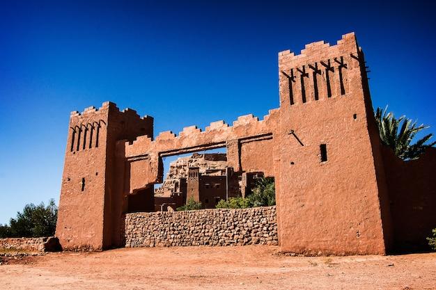 모로코의 고대 마을 벽